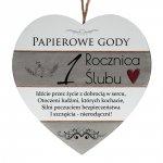 Drewniana tabliczka w kształcie serca z napisem  1 rocznica ślubu...