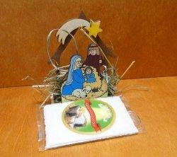 Stajenka świąteczna z siankiem i opłatkiem 9x13x6cm